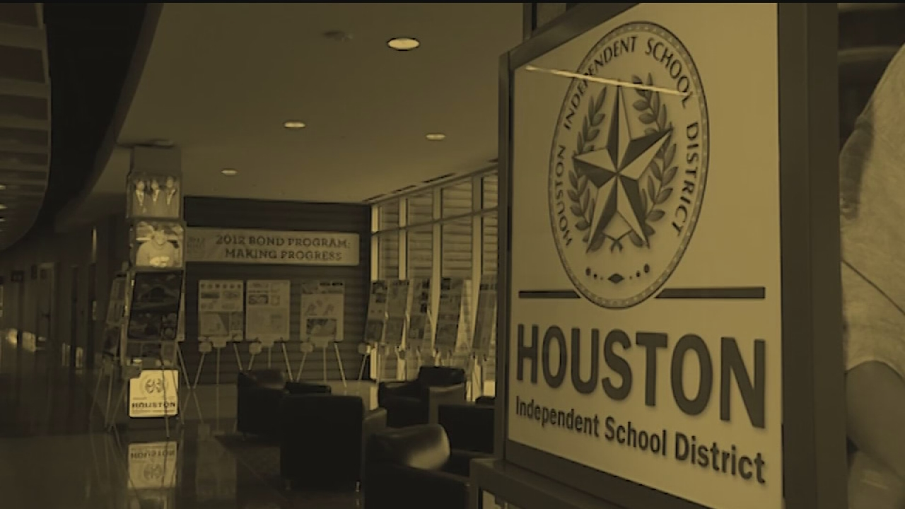 HISD's contract-awarding process put to question